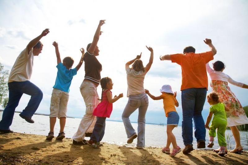 קונטקט- הורים וילדים בתנועה.
