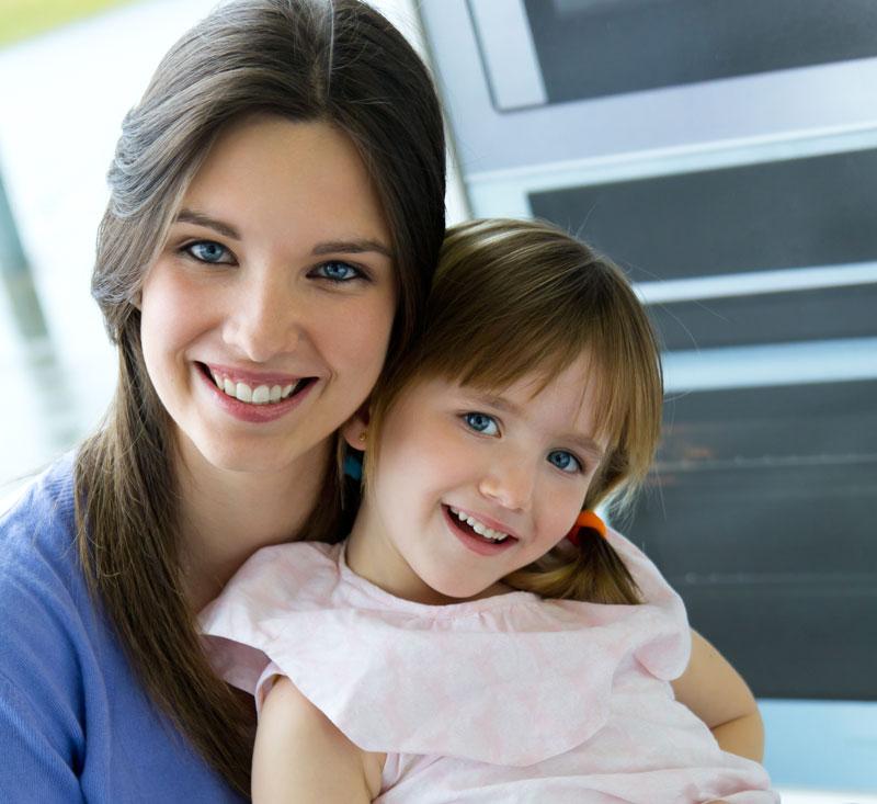 אמהות ובנות בתנועה
