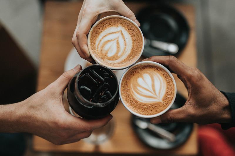 """מועדון """"קפה בצוותא"""""""