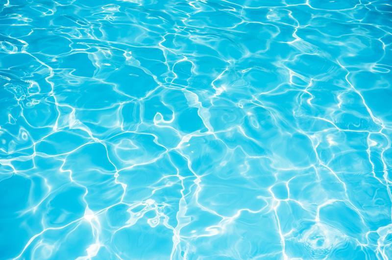 פעילות בבריכה